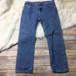 Levi's Jeans Button Fly Light Wash Straight leg